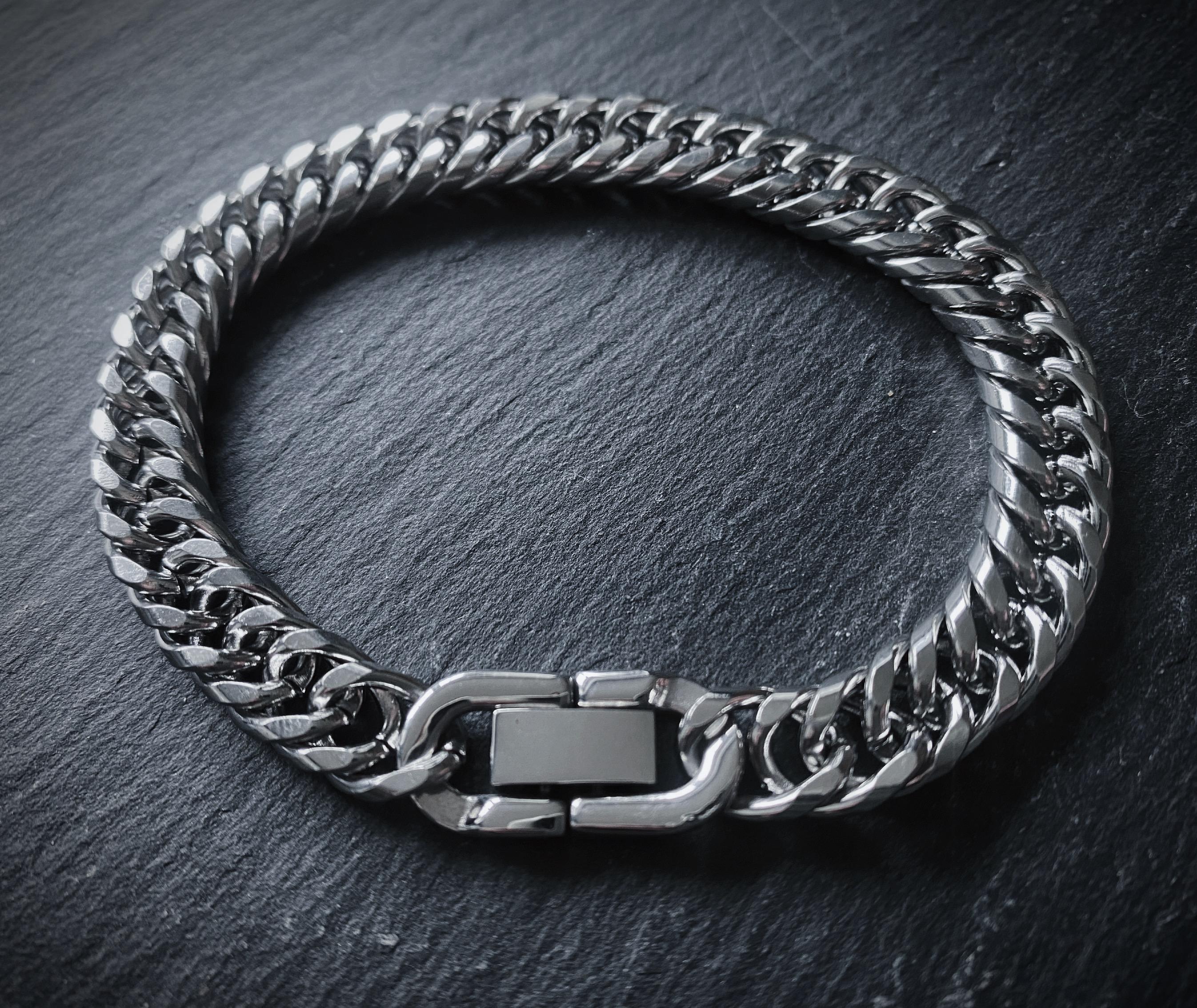 Mens Silver Bracelet – Stainless Steel – 7.5mm Width – Deluxe©