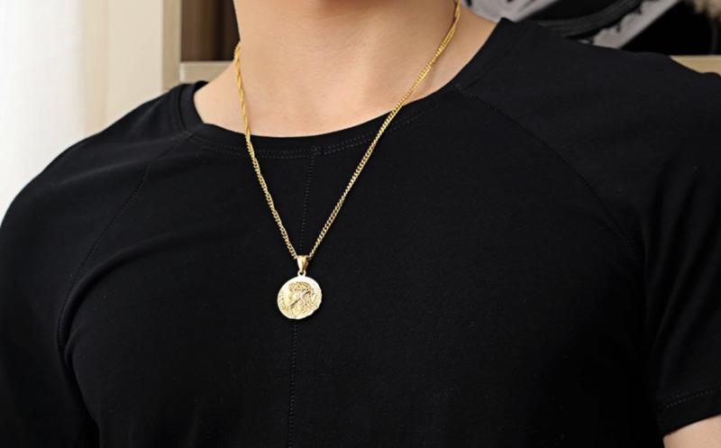 Zeus Pendant Necklace Gold